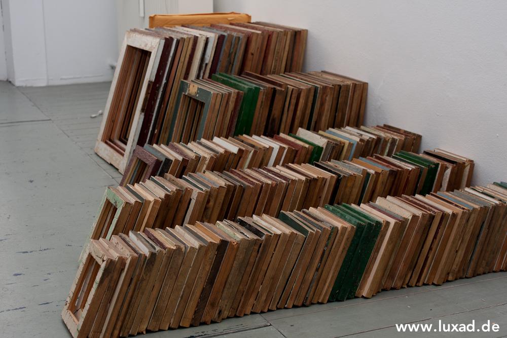 FoundRe Bilderrahmen aus recycelten Türen