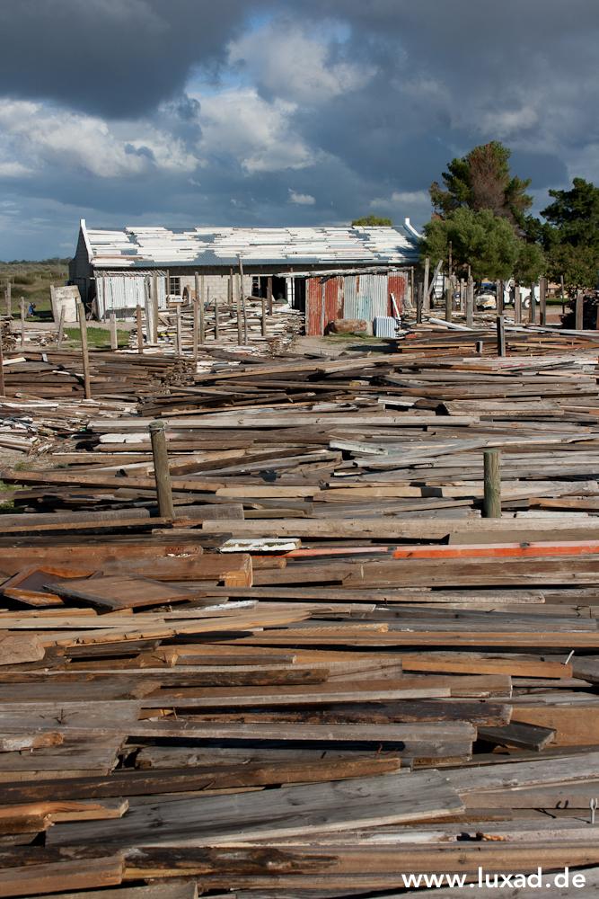 Holz auf der Luna Design Farm